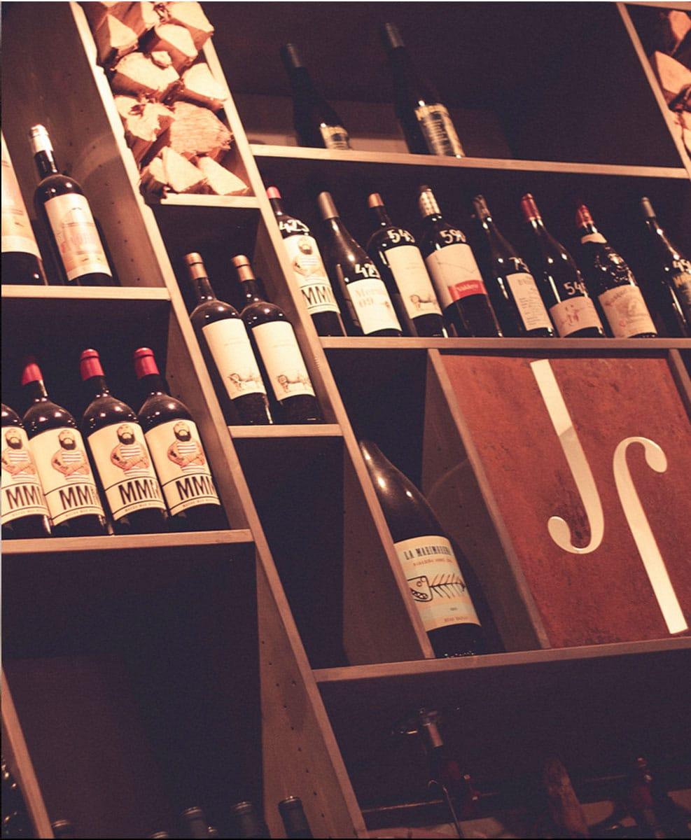 Juan Font Mat och Vin av Live Reklambyrå